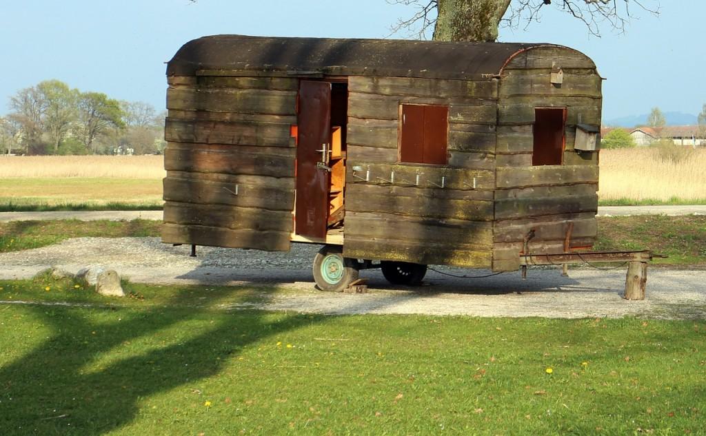 caravan-325418_1280