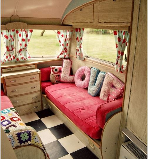 Inspirational caravan interiors that ll make you want to for Job decoration interieur